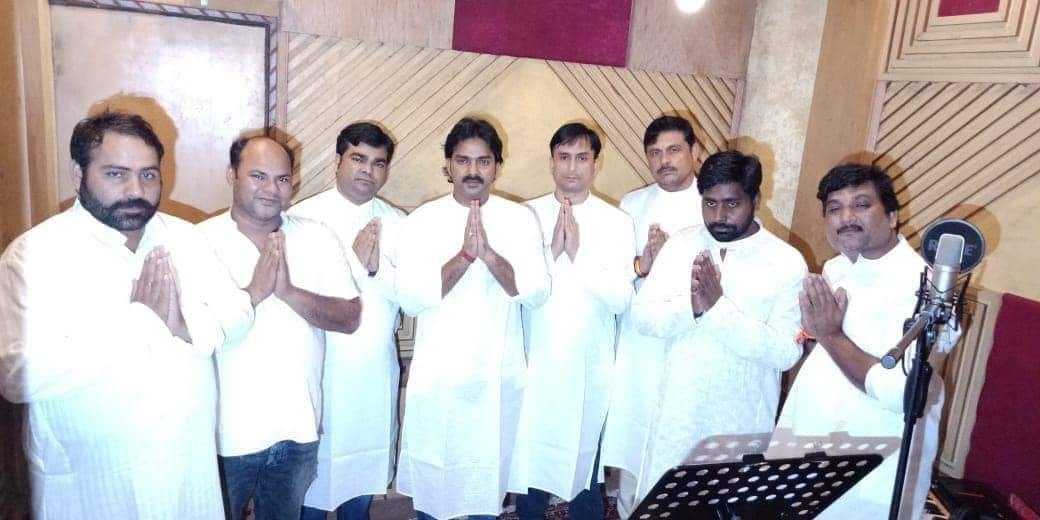 Pawan Singh from his song to pay tribute to Atal ji
