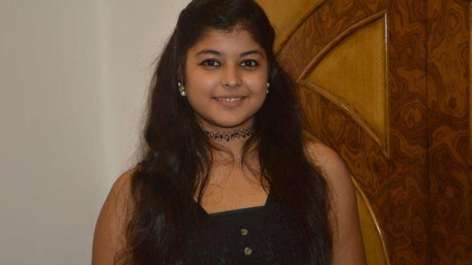 Mithila's daughter Nisha Jha's grand launch on the big screen