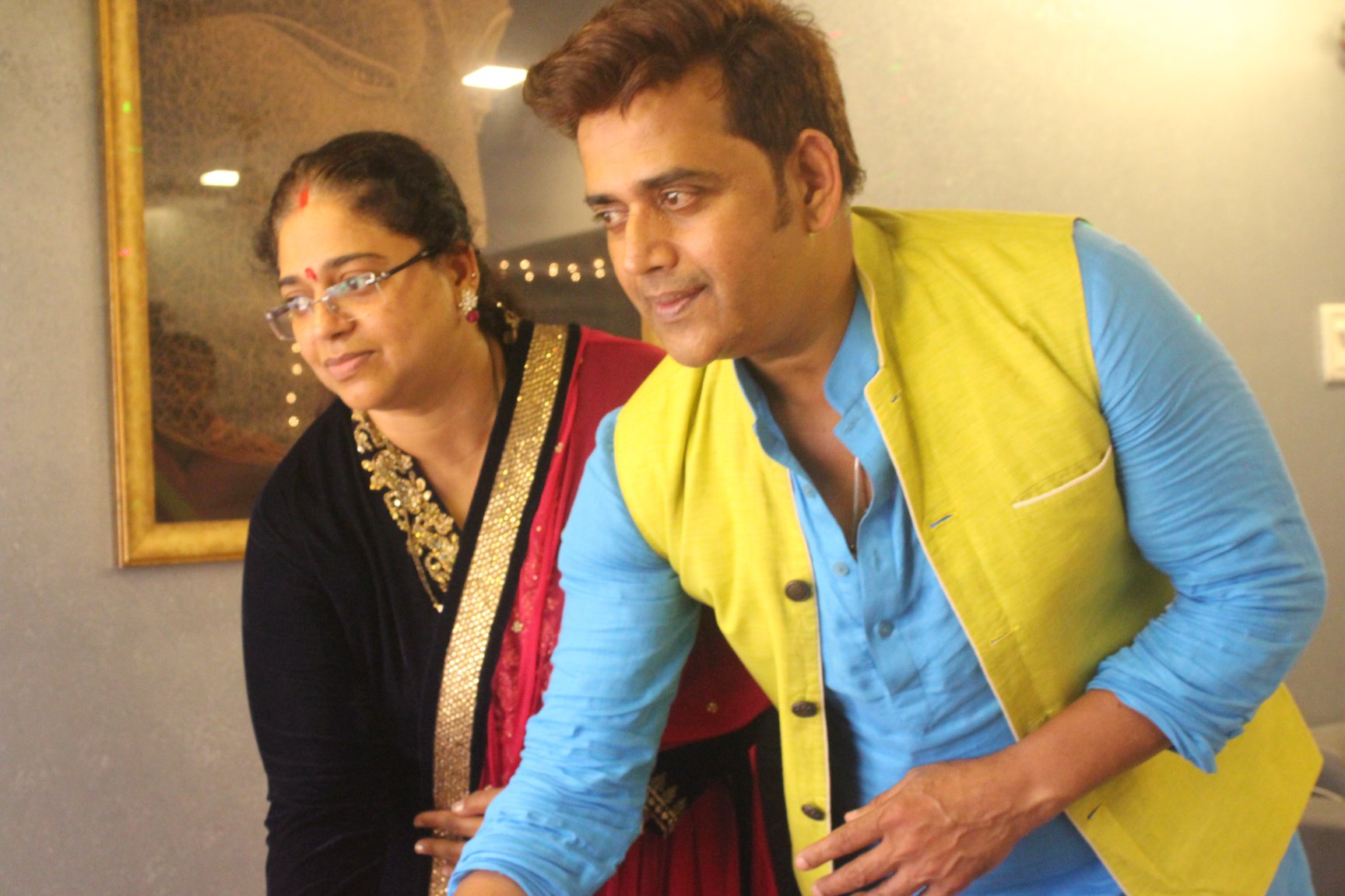 Shubhi Sharma Ravi Kishan, along with many stars of Bhojpuri, Ganpati Bappa