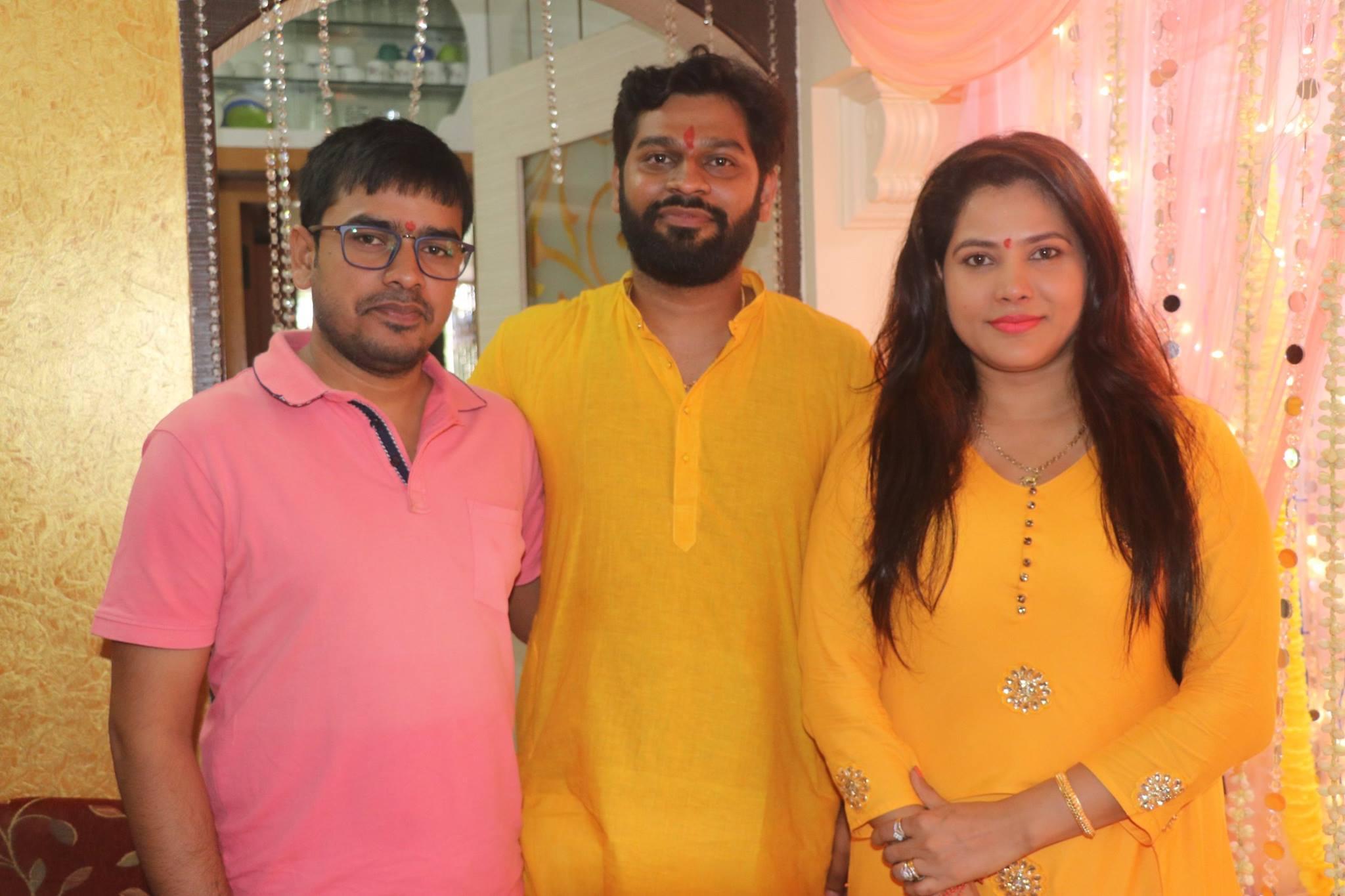 Shubhi Sharma Ravi Kishan, along with many stars of Bhojpuri, Ganpati Bappa