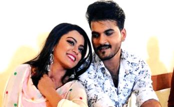 Arvind Lonnie Kallu and Nidhi Jha dhamal in Dilwar's trailer