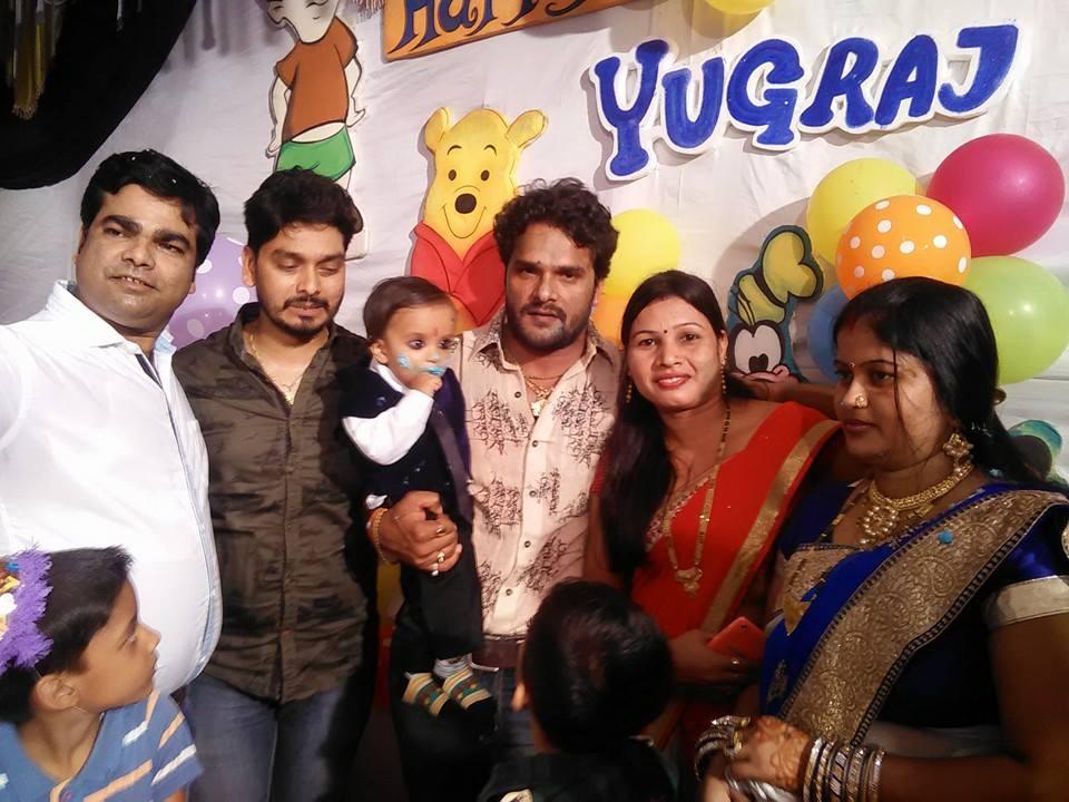 Khesari Lal Yadav Family Photo - Bhojpuri News, Bhojpuri